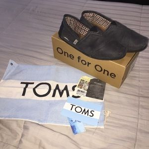 Movember Grey Classic Toms